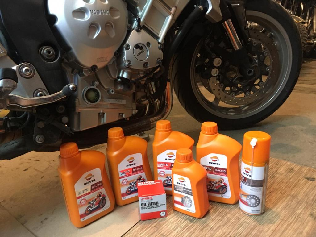 Масло для Yamaha FZ1N Repsol Moto Racing 10W40, Repsol Moto Chain Dry, Repsol Moto Brake Fluide DOT4