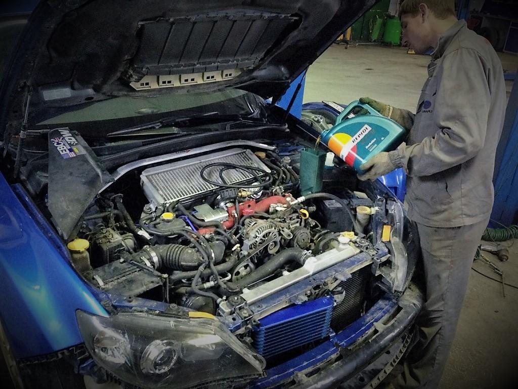 Моторное масло в Екатеринбурге Repsol